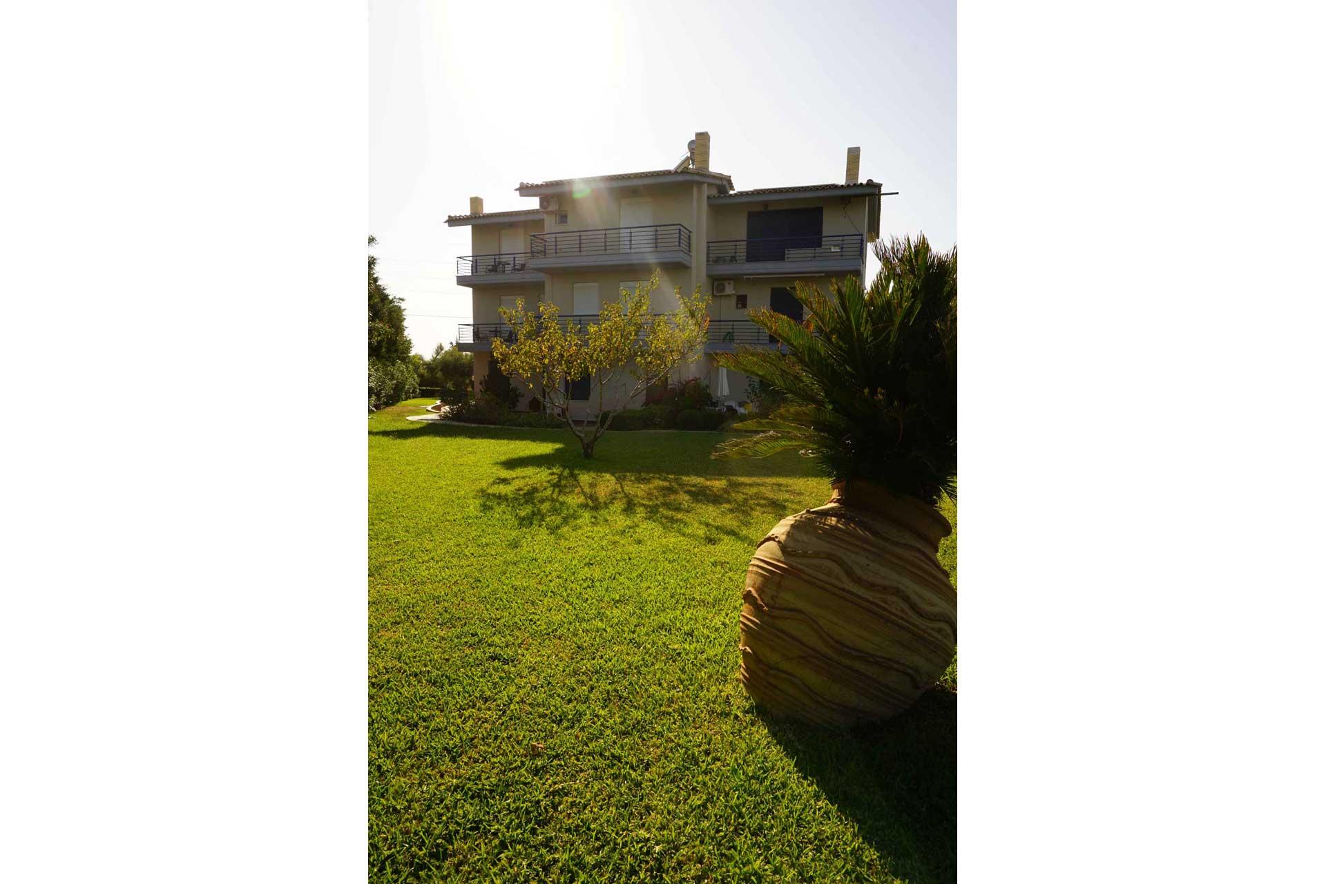 villa-orama-outside-12